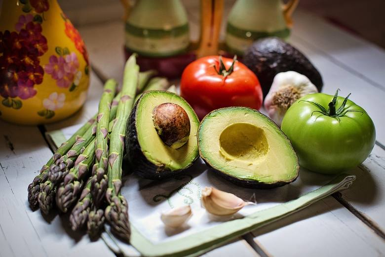 Z warzywami obchodź się odpowiednio, by zachowały witaminyW naszej galerii zobaczysz skuteczne metody przedłużenia świeżości warzyw. Dzięki temu nie