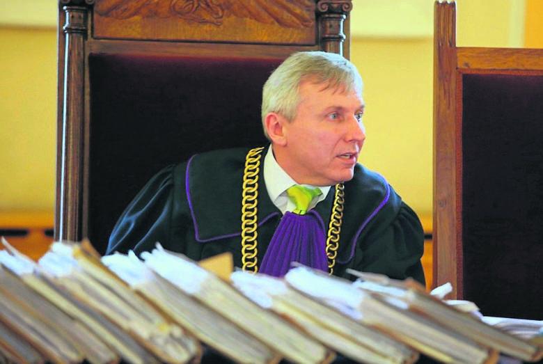 Sławomir Cyniak, wiceprezes Sądu Okręgowego w Piotrkowie mówi, że pieniądze w ramach odszkodowania już do masy upadłościowej przelano. Komornik ma teraz