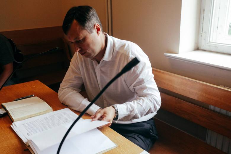 - Nie było w tym mojej winy. Nie wziąłem dopingu świadomie. I udowodnię to - mówił Adrian Zieliński w bydgoskim sądzie. - Bliscy podtrzymywali mnie na duchu, mówią, żebym się nie poddawał.