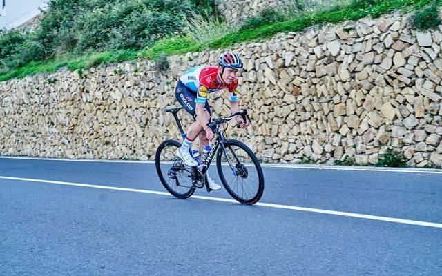 Tegoroczne Giro d'Italia przejechał dość bezbarwnie, ale może odpali w tej części sezonu. W czerwcu wygrał mistrzostwa Luksemburga, zarówno w jeździe