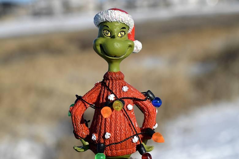 Składanie życzeń to nieodłączny element świąt Bożego Narodzenia. Bez nich nie zacznie się kolacja wigilijna, ale składamy je także na świątecznych spotkaniach