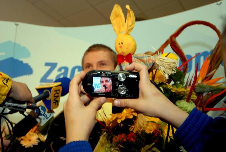 Mateusz Sawrymowicz w różnych momentach swojej kariery