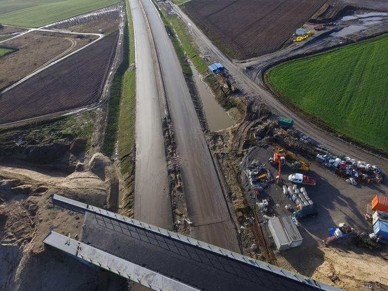 Jak przebiegają prace przy budowie drogi S6 na odcinku Kiełpino - Kołobrzeg Zachód? Zobaczcie zdjęcia!Zobacz także Konferencja dotycząca budowy drogi