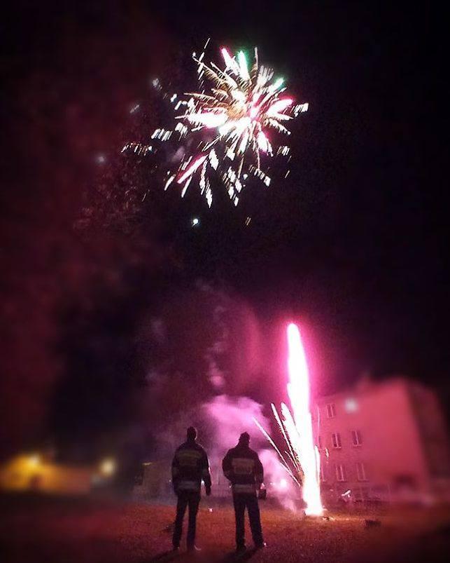 Taki pokaz noworocznych fajerwerków wykonali druhowie z Ochotniczej Straży Pożarnej w Belsku Dużym.