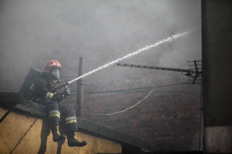 Pożar przy ulicy Rycerskiej w Bydgoszczy.