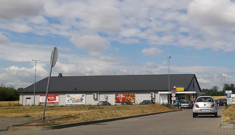 Linia miejska w Byczynie będzie obsługiwana przez PKS Kluczbork.Przystanek końcowy: supermarket Biedronka.