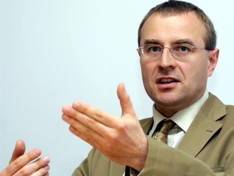 Teoretycznie w Kolegium IPN mogą zasiąść osoby bez matury - mówi  prof. Antoni Dudkiem, politolog, przewodniczący Rady Instytutu Pamięci Narodowej, komentując projekt ustawy o IPN.