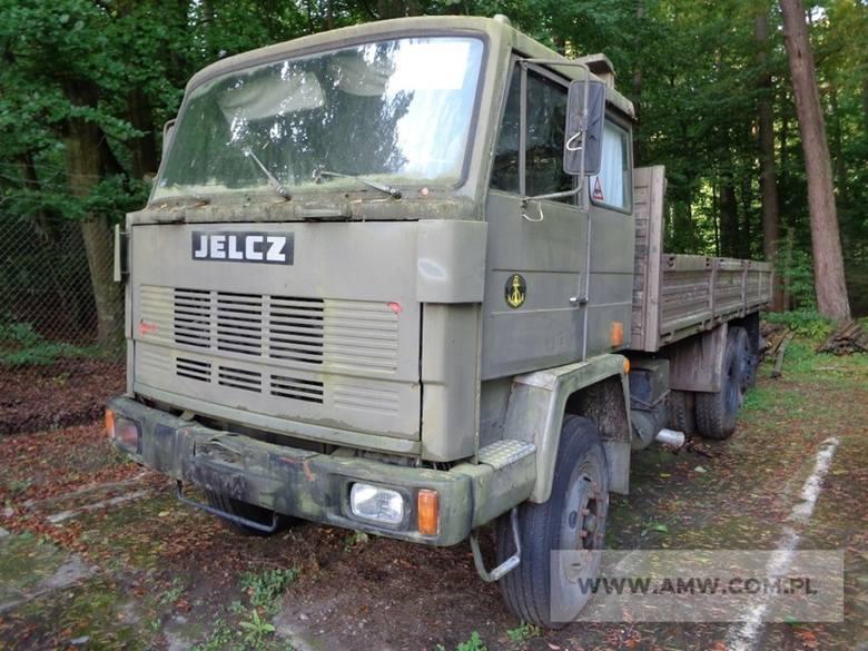 """Te marki to w większości legendy polskiej motoryzacji, które na dodatek sprawdziły się w wojsku. Po latach """"służby"""" są wymieniane na nowsze pojazdy."""