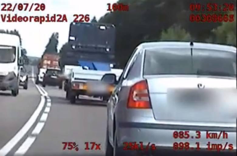 Grupa SPEED złapała kierowcę Dacii, który niebezpiecznie wyprzedzał pojazdy (zdjęcia,video)
