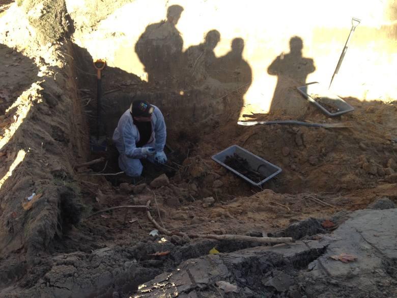 Ekshumacje w Gorzowie Śląskim i Uszycach przeprowadził zespół niemieckiego antropologa Haralda  Schrödtera.