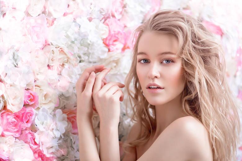 Stan zapalny skóry często wywołany jest działaniem czynników drażniących, w tym zanieczyszczeń powietrza, niskiej lub wysokiej temperatury, związków