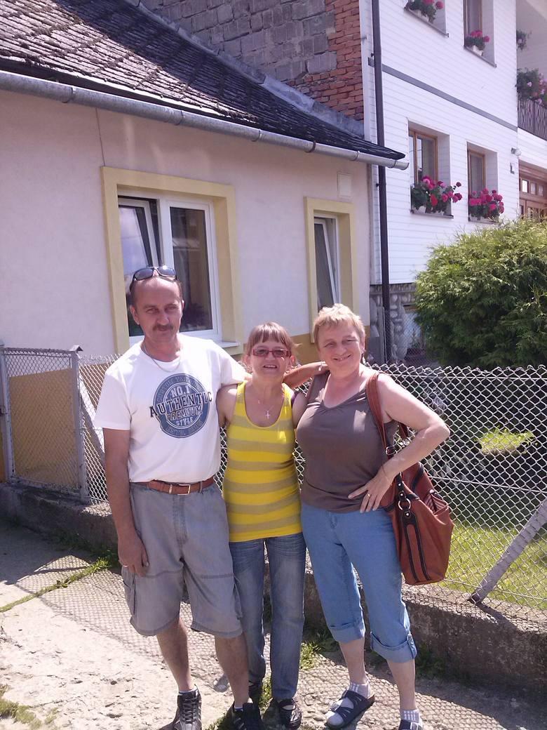 Teresa Biela z Krapkowic (pierwsza z prawej) też ma za sobą dwa przeszczepy. Na zdjęciu wraz z mężem Krzysztofem i tzw. bliźniaczą siostrą Bernadetą