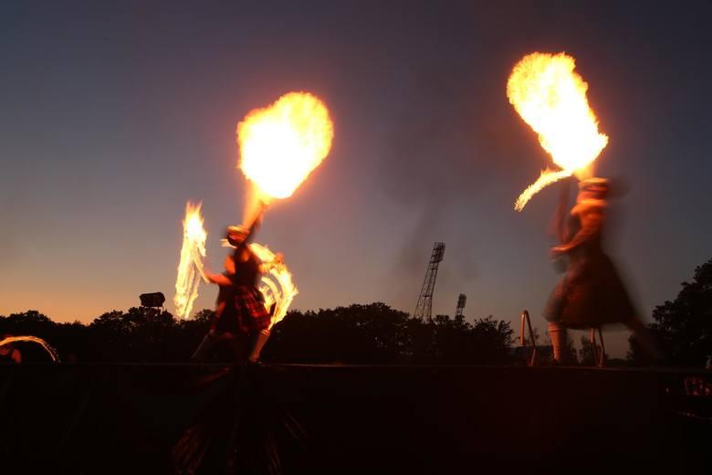 Obecnie wszędzie na świecie fajerwerki używane są jako jedna z głównych atrakcji podczas największych wydarzeń, niektóre państwa decydują się na pokazy