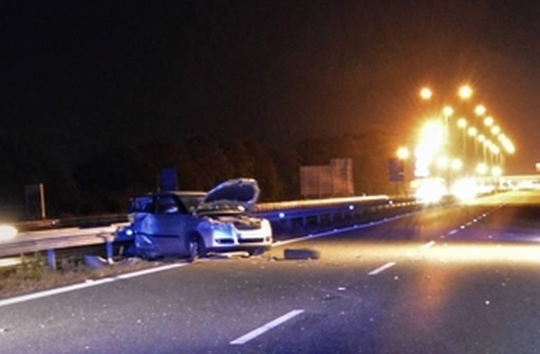 Do tragicznego w skutkach wypadku doszło w niedzielę na autostradzie A4 pod Wrocławiem, tuż przed bramkami poboru opłat. Jedna osoba zginęła na miejscu,