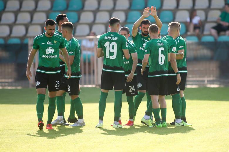 Górnik Łęczna wraca na fotel wicelidera II ligi. Zielono-czarni pokonali na własnym boisku Bytovię Bytów 2:0. Zobacz zdjęcia