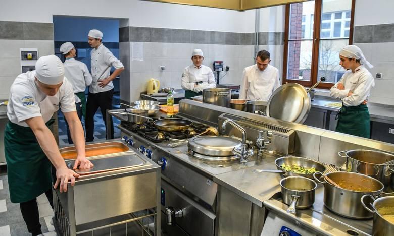 Uczniowie bydgoskiego gastronomika mają teraz do dyspozycji nowocześnie wyposażone warsztaty szkolne.