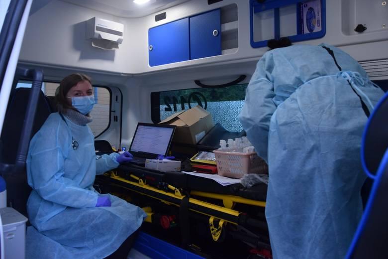 Kiedy zaszczepione zostaną 40-latkowie?Wariant optymistycznyW wariancie optymistycznym przyjęliśmy, że ze względu na większą liczbę dostępnych szczepień