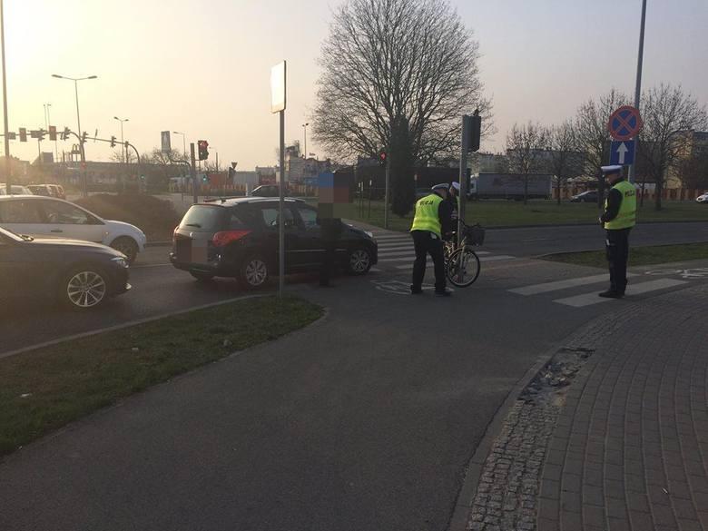 Kilka minut przed godziną 7 (12 kwietnia) doszło do wypadku na skrzyżowaniu ulicy Wojska Polskiego z ulicą Magnuszewską w Bydgoszczy. Na miejscu byli