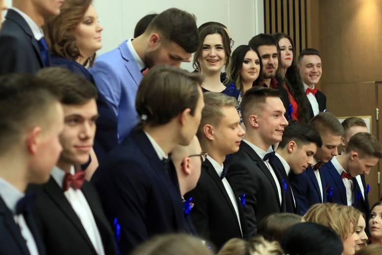 Studniówki 2018 w Lublinie. Bal XXIII Liceum Ogólnokształcącego w Lublinie [ZDJĘCIA, WIDEO]