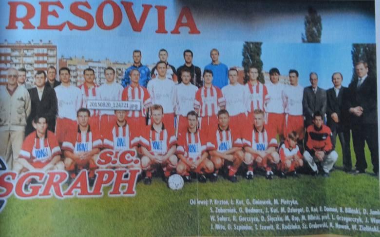 Resovia - rok 2000, Krzysztof Chwałka (w środkowym rzędzie, dziesiąty od lewej).
