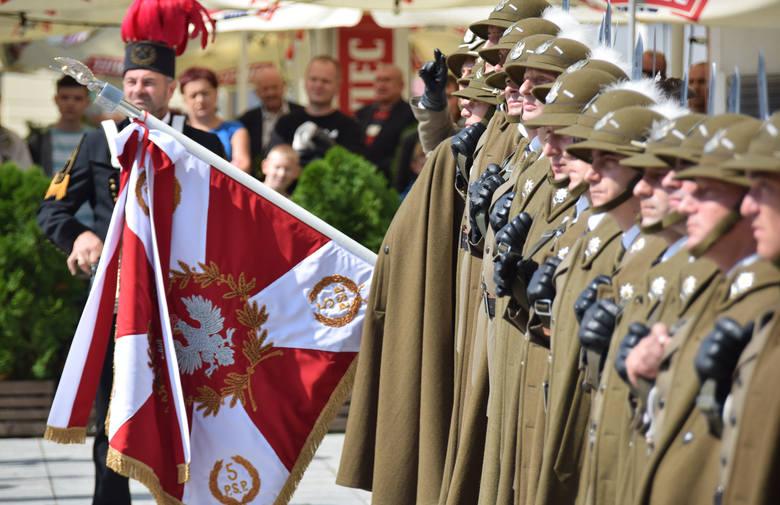 Z okazji Święta Wojska Polskiego i 99. rocznicy zwycięstwa nad bolszewikami w Bitwie Warszawskiej, na krośnieńskim Rynku odprawiona została Polowa Uroczysta