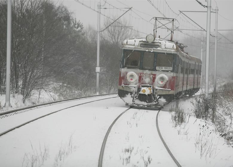 Atak zimy zatrzymał pociągi w poniedziałek w regionie łódzkim