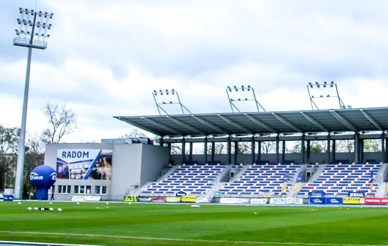 Ma być instalowana podgrzewana płyta na stadionie Miejskiego Ośrodka Sportu i Rekreacji przy ulicy Narutowicza 9