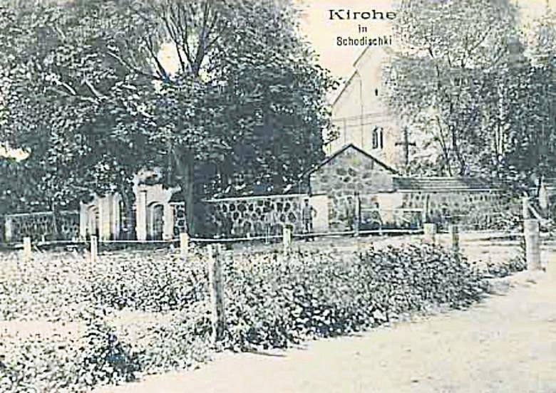Zabytkowy kościół w Żodziszkach stanowił jedno z centrów życia miasteczka...