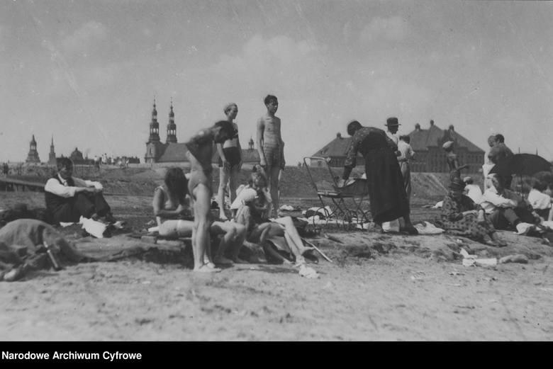 Poznań, 1933Plaża nad Wartą w Poznaniu.