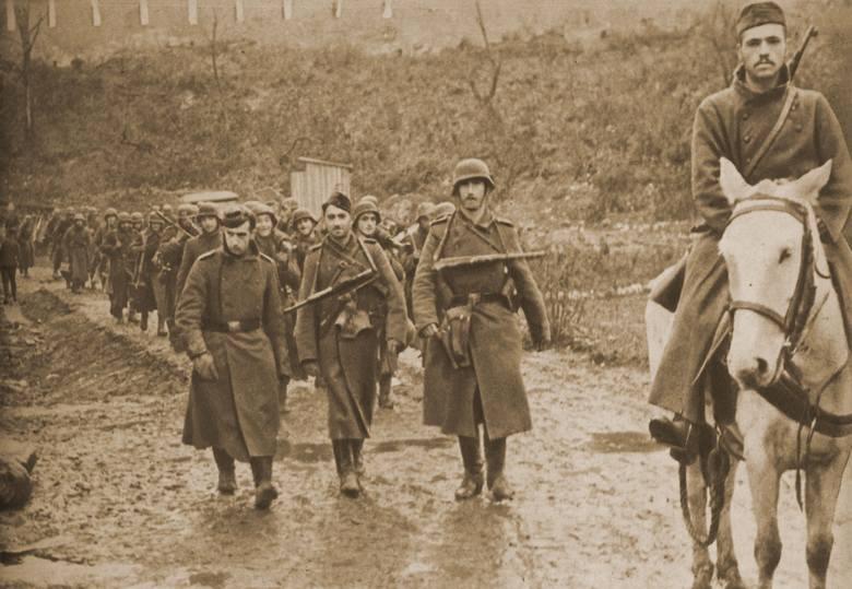 Kolumna żołnierzy Błękitnej Dywizji w 1942 r.