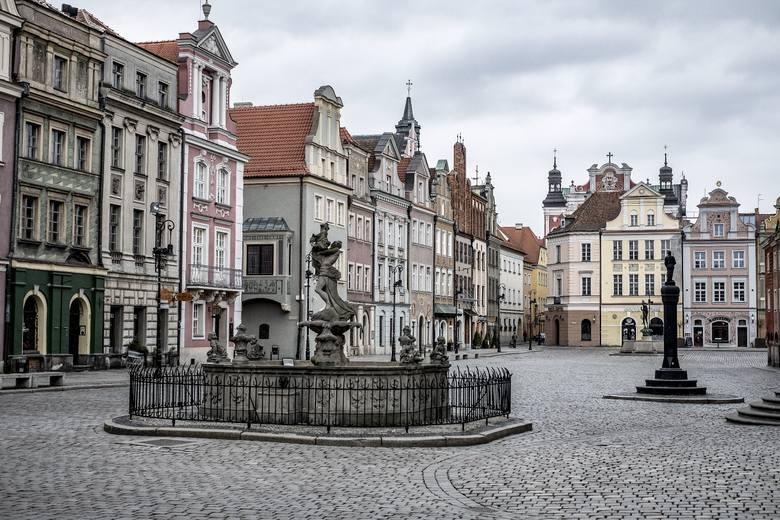 Sobota w Poznaniu była bardzo pogodna, co sprawiło, że wiele osób - mimo pandemii koronawirusa - nie chciało zostać w domach. Odniósł się do tego nawet