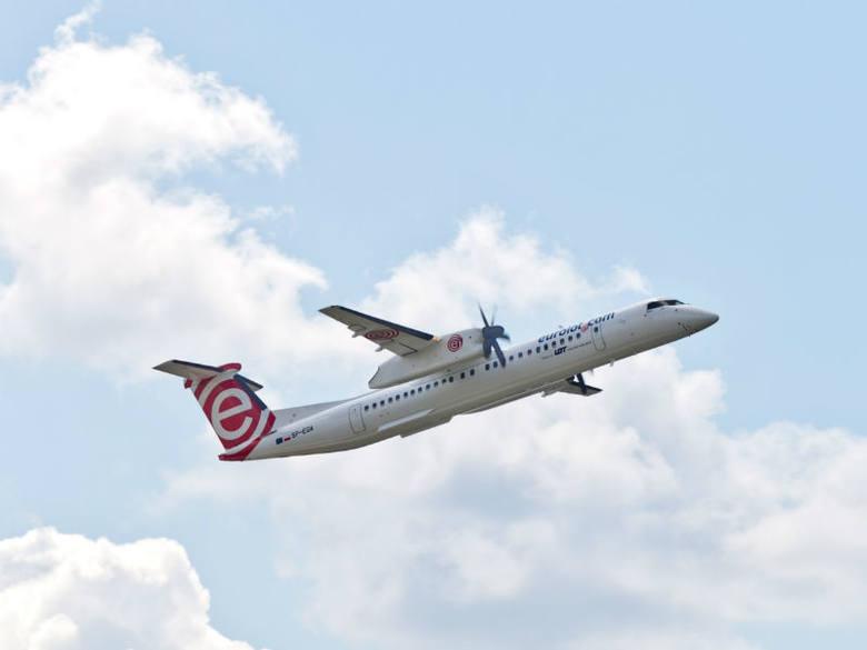 Samolot może służyć jako jeden z wygodnych, szybkich i jak pokazują badania bezpiecznych środków lokomocji.