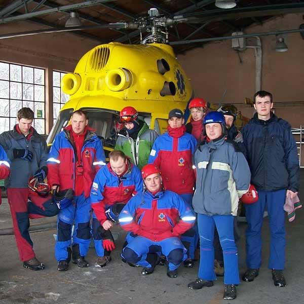 Śmigłowiec Mi-2 wykorzystywany jest m.in. w wypadkach komunikacyjnych, akcjach ratunkowych w górach, transporcie chorych, do których nie może dojechać