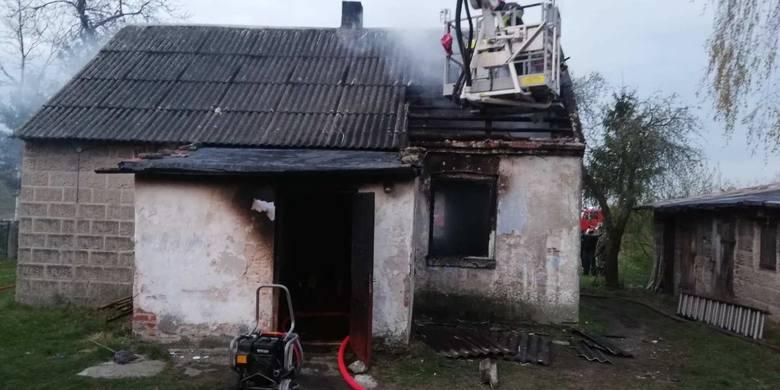 Do tragicznego w skutkach pożaru doszło w środę, 17 kwietnia, wczesnym ranem w gminie Złoczew. Ogień strawił całkowicie dom w Mikleszu, a w płomieniach