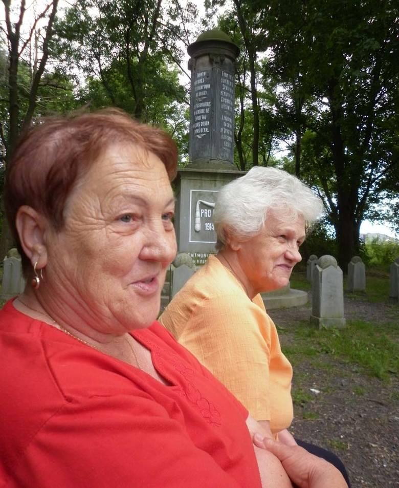 Janina Zarówna i Halina Cicha mieszkają w blokach z sowieckiego demobilu. I sobie chwalą. Festiwal piosenki radzieckiej? Owszem pamiętają. Chociaż przed