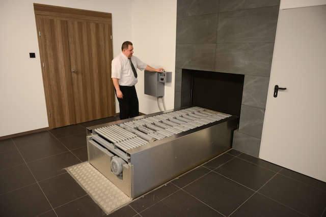 Ciało poddawane kremacji spopielane jest w trumnie w temperaturze sięgającej od 800 do 1200 st. W Polsce działa blisko 50 krematoriów, a w regionie kujawsko-pomorskim