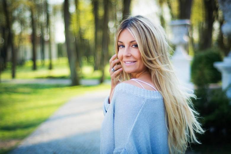 Małgorzata Rozenek – Majdan chciała mieć dłuższe włosy, więc je sobie... doczepiła.  Włosy były sprowadzane ze Skandynawii, bo potrzebny był... skandynawski