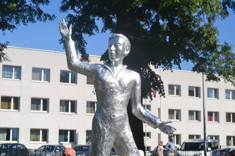 Sosnowiec: odsłonięcie rzeźby Kiepury otworzyło Dni Sosnowca ZDJĘCIA