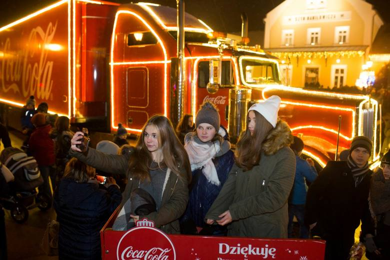 Świąteczne ciężarówki Coca-Cola z poprzednich edycji z ubiegłych lat.
