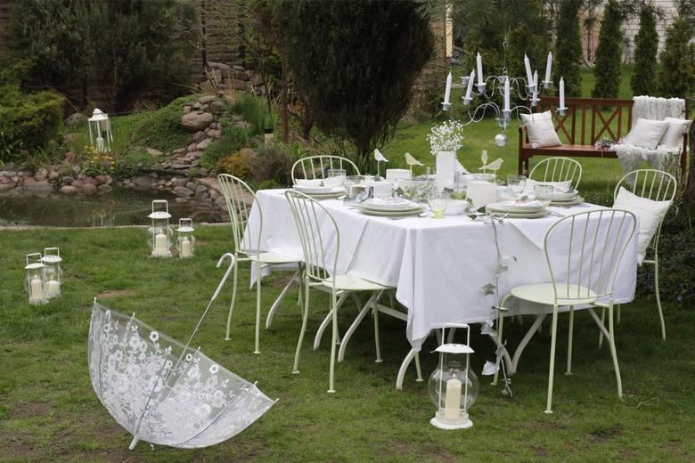 c0564a8cfc Suto zastawione stoły  Alkohol i muzyka  Pierwsza komunia święta coraz  częściej przypomina imprezę weselną