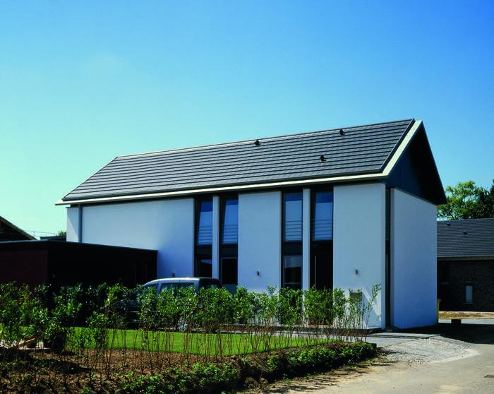 Domy mieszkalne tworzone na planie tradycyjnej stodoły stają się ostatnio coraz modniejsze. Mogą zostać zbudowane od podstaw bądź powstać na bazie starego
