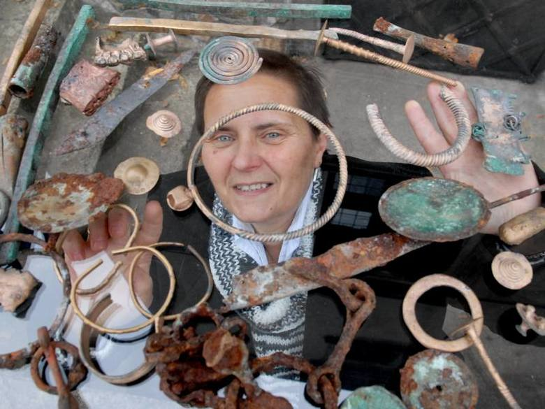 - Właśnie mija 30 lat mojej pracy w świdnickim muzeum i dostałam w ten sposób wspaniały prezent - mówi archeolog Julia Orlicka-Jasnoch. A znalazca zastanawia