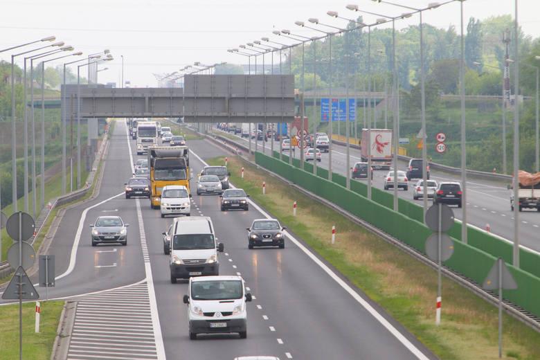 Do kolizji doszło w okolicach węzła Poznań - Luboń w kierunku Świecka.
