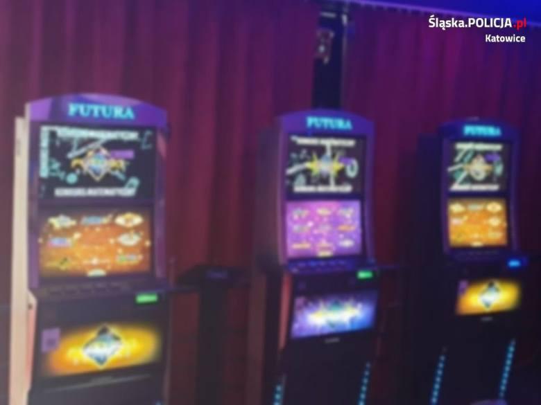 Automaty do nielegalnych gier hazardowych znalezione w lokalu w Katowicach