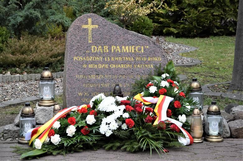 Z powodu pandemii koronawirusa tegoroczne obchody 81. rocznicy zbrodni katyńskiej i 11. rocznicy katastrofy smoleńskiej ograniczono do złożenia przez