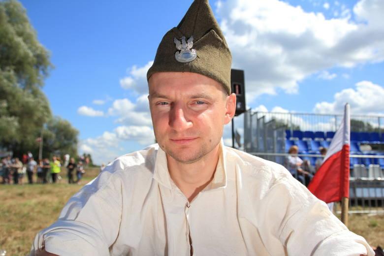 Siły polskie zostały podzielone na trzy fronty:<br><br>Front Północny generała Józefa Hallera:<br><br>    5 Armia generała Władysława Sikorskiego broniąca odcinka na północ od Warszawy na rubieży rzeki Wkry,<br>    1 Armia generała Franciszka Latinika broniąca przedmościa Warszawy na odcinku od...