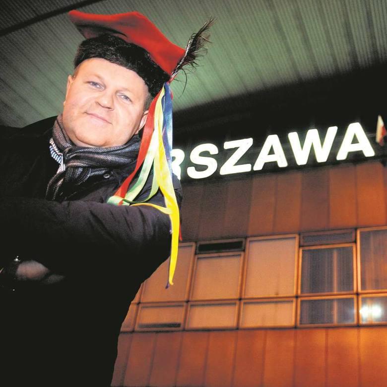 Ksiądz Kazimierz Sowa nie jest tak popularny jak ojciec Rydzyk, ale się stara. Dzięki ujawnieniu taśm nagranych w warszawskiej restauracji znów o nim