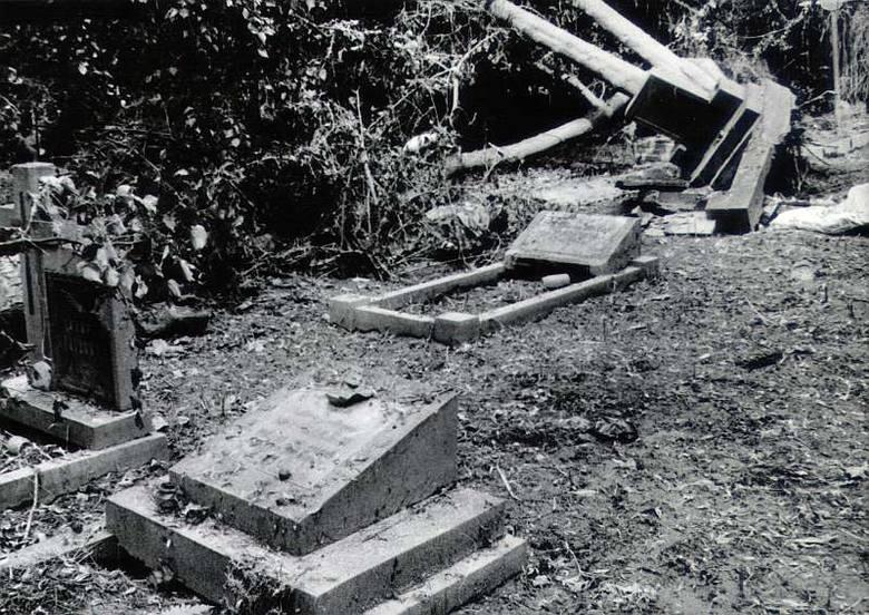 Powódź 1997 w Opolu. Cmentarz na ul. Wrocławskiej.