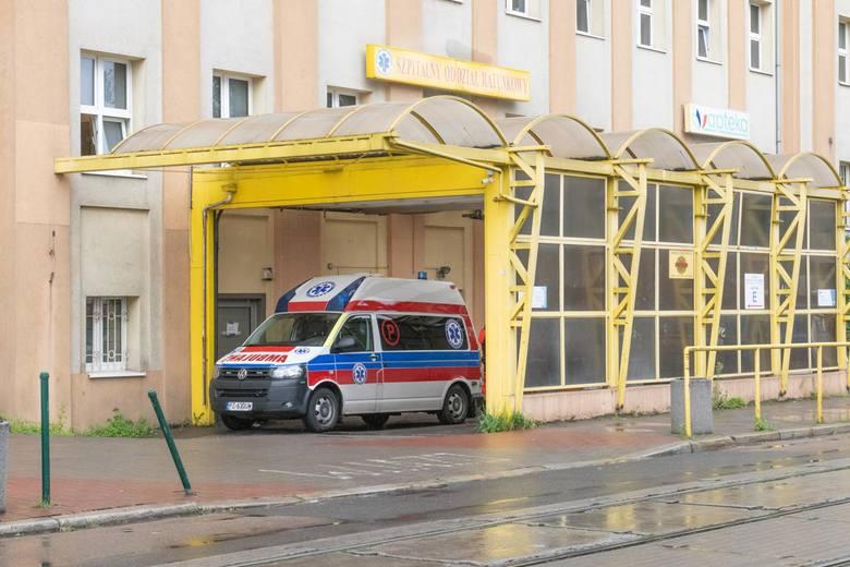 """Dedykowanie  szpitala Strusia jedynie """"covidowcom"""" spowodowało oblężenie innych placówek. Pacjenci, którzy wcześniej leczyli się na Szwajcarskiej, trafiają  między innymi do <strong>szpitala HCP w Poznaniu</strong>."""