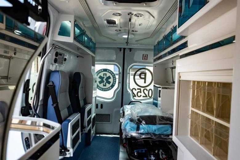 W karetkach brakuje lekarzy, ratowników i pielęgniarek. Jak poradzimy sobie z kryzysem?